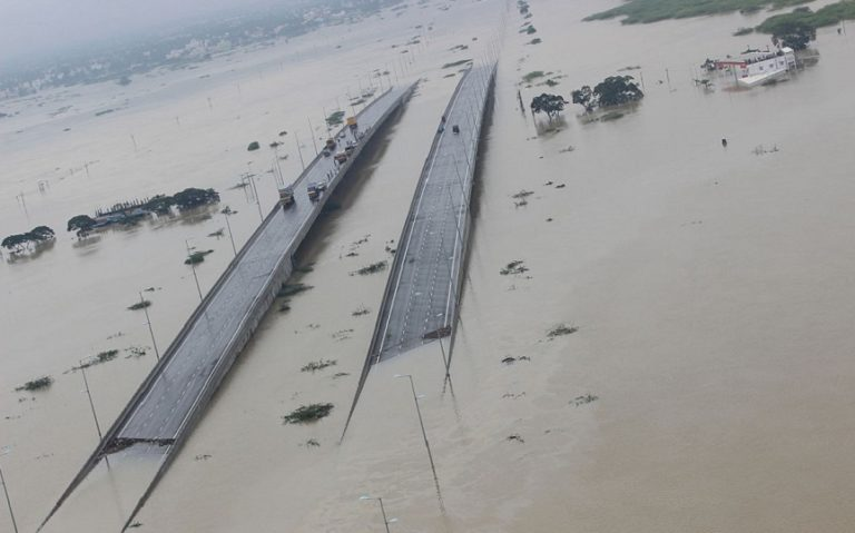Indian_Air_Force_Relief_and_Rescue_Op_during_Tamil_Nadu_Flood_December_2015